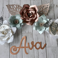 5 flower decoration with name sticker