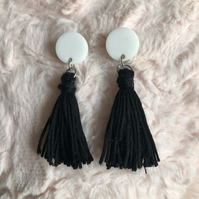 Monochrome tassel earrings - black and white