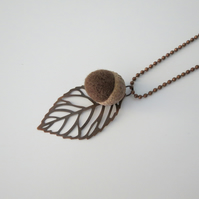 Needle Felted Acorn Leaf Necklace-Brown