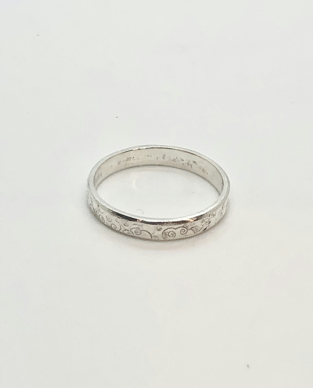 Cloudy Days Ring.     Silver 3mm band, clouds ring, pattern ring.