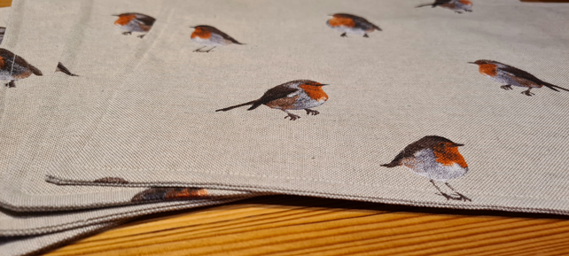Placemats, Traditional Robin print, Christmas, Winter, Table Mats, Table Protect