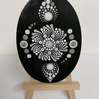 Hand painted black and white flower magnet