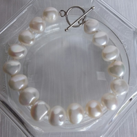 White 10mm Freshwater Pearl Hand Knotted Bracelet 7.5in Silver Toggle Clasp