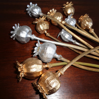 10 SILVER AND GOLD NATURAL POPPY SEED HEADS