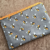 Lace Zipped Pouch Bees