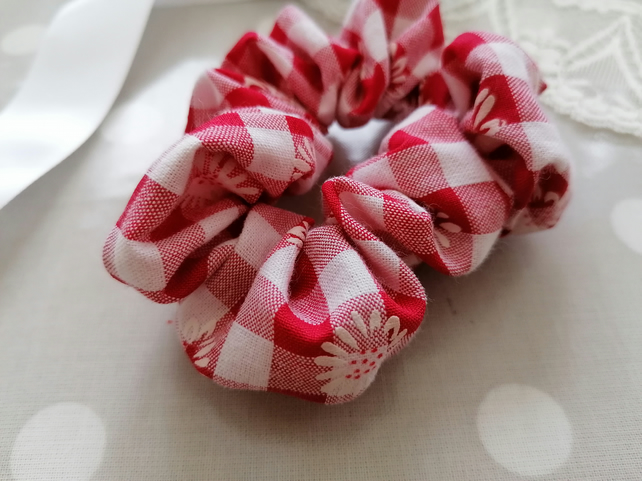 Cotton Scrunchie. Red Gingham