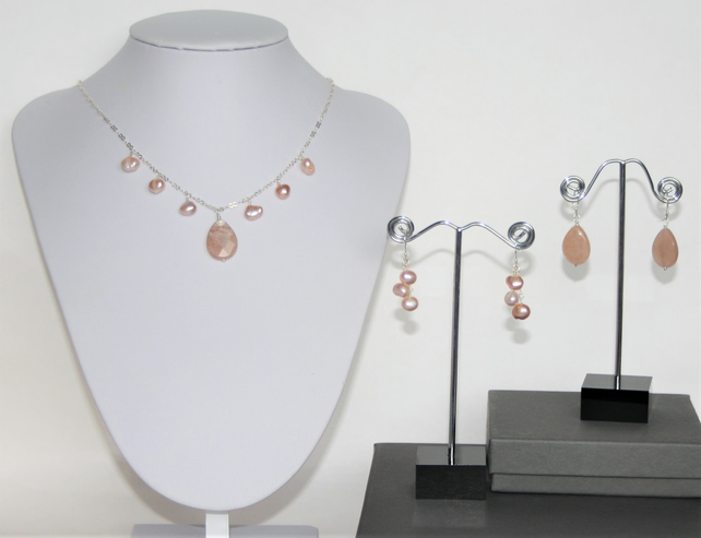 Short Necklace & Two Pair of Earrings, made with 925 Silver, Sandstone & Pearls