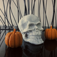 Set of 1 skull and 2 mini pumpkin handmade candles for Halloween.