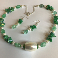 Green & White Shell Necklace & Ear Rings