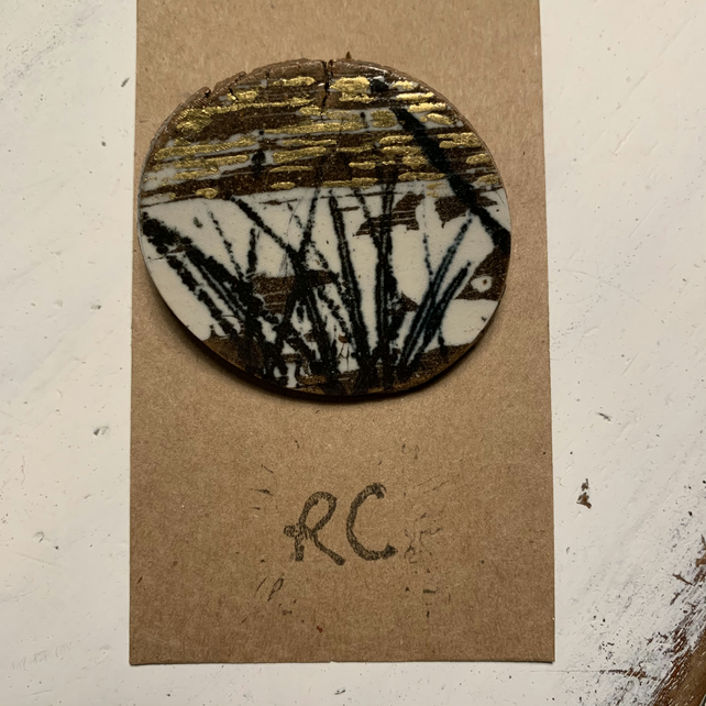 Ceramic Landscape Brooch decorated with 23.5 carat gold leaf