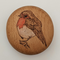 Personalisable robin red breast pyrography Christmas round wooden pebble