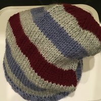 BABY BOY  SLOUCH HAT  6 - 12 Mths
