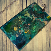 Green speckled resin necklace