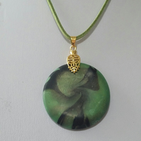 'Green Swirl' Round Necklace