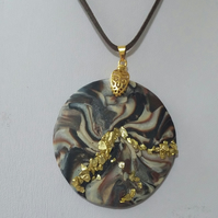 'Brown and Gold Dust Swirl' Round Necklace