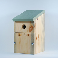 Tit Nesting Box for Small Garden Birds – Bird Nesting Box – Bird House