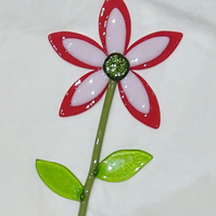 Fused glass red petalled flower