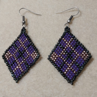 Diamond shaped Earrings using Miyuki Seed Beads-11-0 Lined Violet-Black and Gold