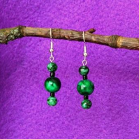 Green marbled triple bead earrings.