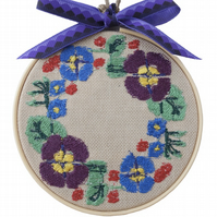 Flower Wreath, 10cm Embroidered Hoop Art, Hanging Wall Decoration