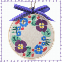 Flower Wreath, 10cm Embroidered Hoop Art, Wall Hanging, Embroidered Decoration
