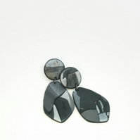 Hypoallergenic grey dangle earrings