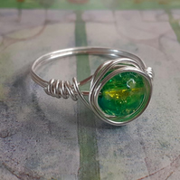The Mackintosh Green crackle bead Ring