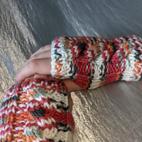 Child's Cable Knit Wrist Warmers