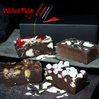 Artisan Chocolate Selection Butter Fudge Box – 4 Delicious Fudge Bars