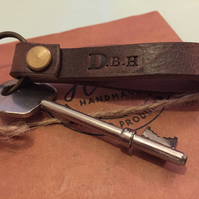 Personalized or plain Leather Keychain. Loop Split ring Keychain dark brown