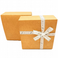 Self-assembly Gift Boxes 14.5cm x 14.5cm x 5.5cm Square shaped Small Gifts ref:D