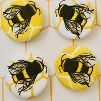 Bee badges set of 4, fabric badges, bee gifts, bee button pins, bumblebee gifts