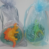 Handmade, scented, dinosaur bath bomb! Choice of dino toy and gift box or bag.