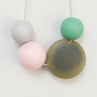 Nola - Bead necklace in light pink, light grey, mint green and olive