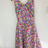 Retro 1950 little girls floral dress for costume size 13