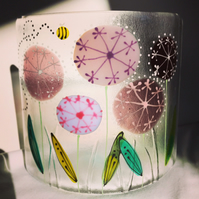 Free standing floral glass curve - Alliums