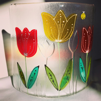 Free standing floral glass curve - Tulips