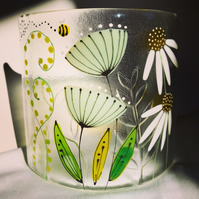 Free standing floral glass curve - Daisies, seed heads and ferns