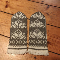 Hand knitted natural wool grey white traditional fairisle mittens