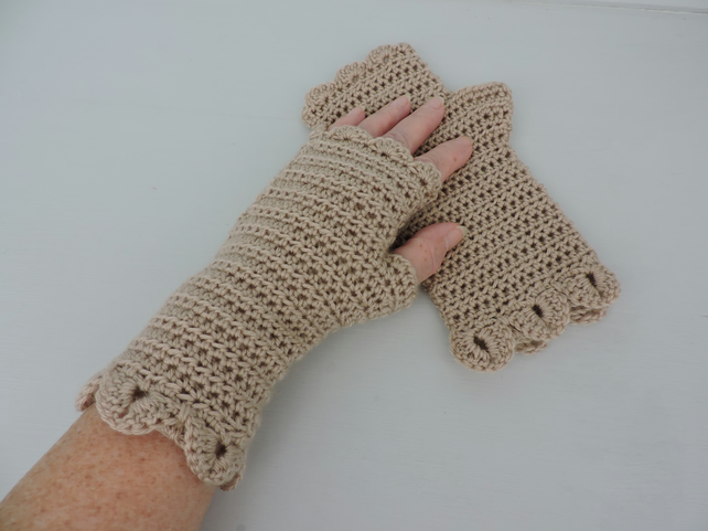 Fingerless Mitts with Dragon Scale Cuffs Latte