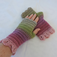 Crochet Fingerless Mittens with Dragon Scale Cuffs