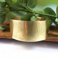 Brass Cuff, Wide Flower Pattern Cuff Bangle, 1in Wide Cuff Bracelet, Medium