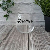 Personalised stemless wine glasses, fun table settings
