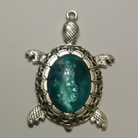 Handmade fluid art Turtle pendant green.