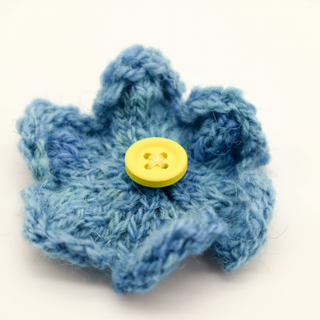 Hand knitted flower brooch pin - Blue and yellow