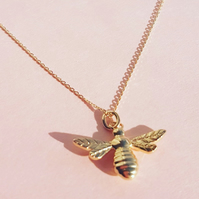 Bee pendant necklace 9ct solid yellow genuine gold Manchester bumble honey 375