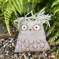 Merino wool owl decor - Wool Knit owl - Owl ornament - Stuffed owl softie - Grad