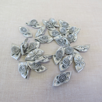 25 Pieces Large  Roses,Craft Roses, Card Making Roses, Silver or Gold