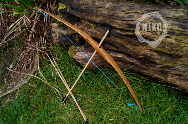 Small Wooden bow with 3 arrows - FREE personalization - FREE UK delivery