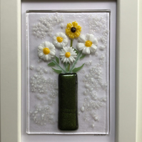 Daisies & sunflower in vase fused glass picture in 6x4 frame.